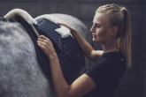 Gel pad or just saddle cloth - what to use while horseback riding?
